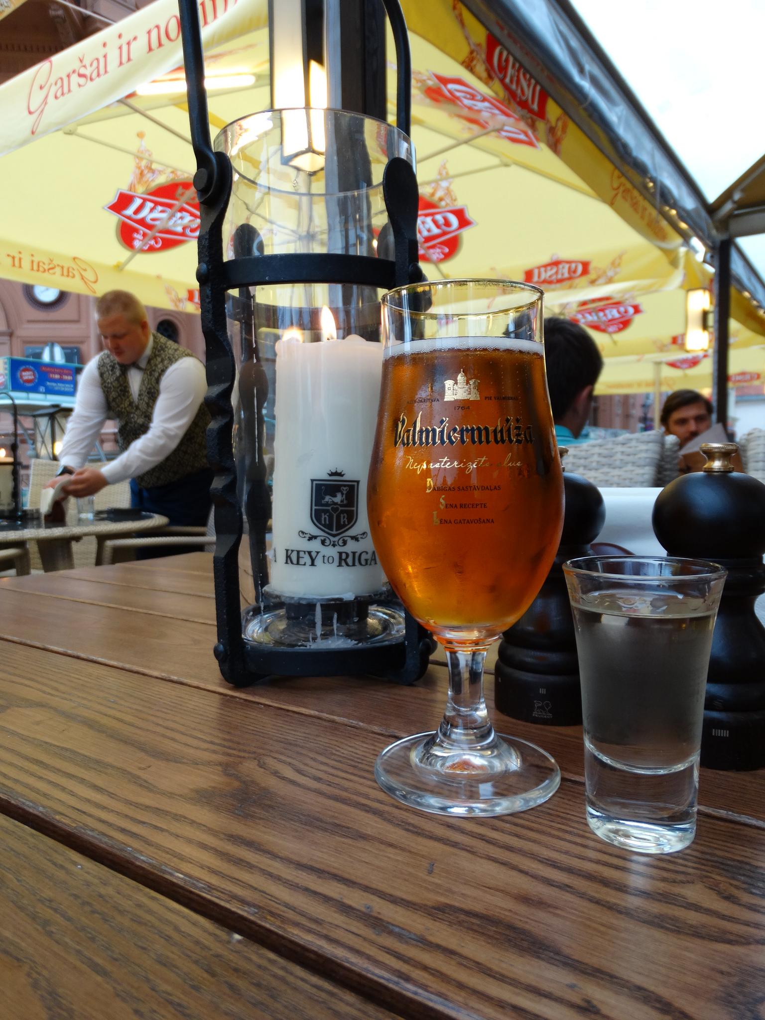 В ресторант Ключът за Рига. Хрянова водка и рижка бира